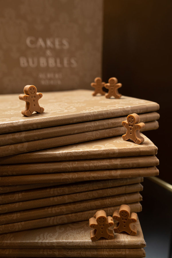 Chocolate Gingermen cakes and bubbles albert adria